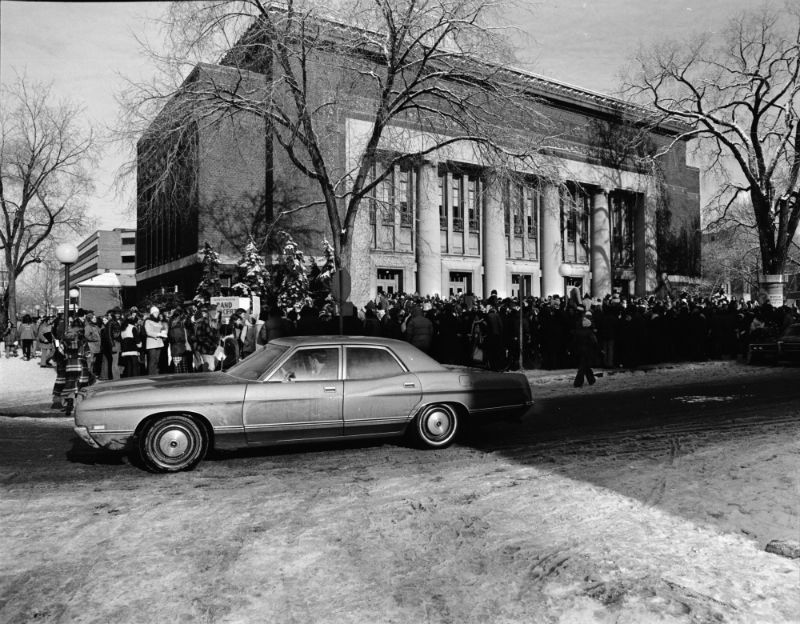 Line for Bob Dylan tickets outside Hill Auditorium, December 1973
