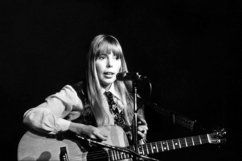 Joni Mitchell at Canterbury House in Ann Arbor, 1967. Photo by Al Blixt.